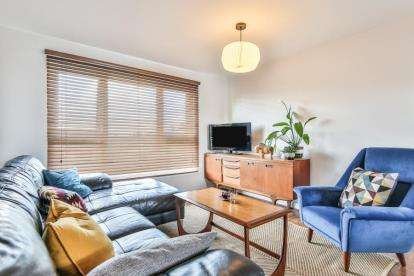 2 Bedrooms Flat for sale in Skelton Drive, Sheffield, South Yorkshire