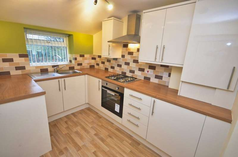 3 Bedrooms Terraced House for sale in Chapels, Over Darwen, Darwen