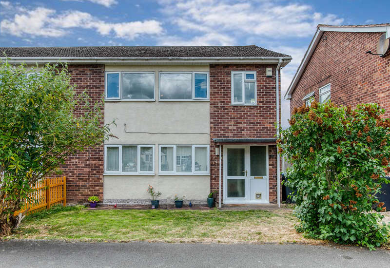 2 Bedrooms Maisonette Flat for sale in Lords Lane, Studley, Warwickshire B80 7QW