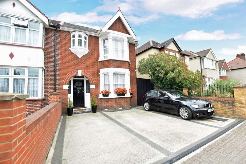 4 Bedrooms Semi Detached House for sale in Grove Road, Hounslow
