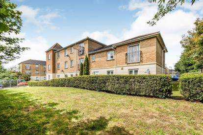 2 Bedrooms Flat for sale in Purfleet, Thurrock, Essex