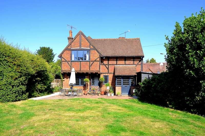 4 Bedrooms Detached House for sale in Ewhurst Road, Cranleigh, GU6