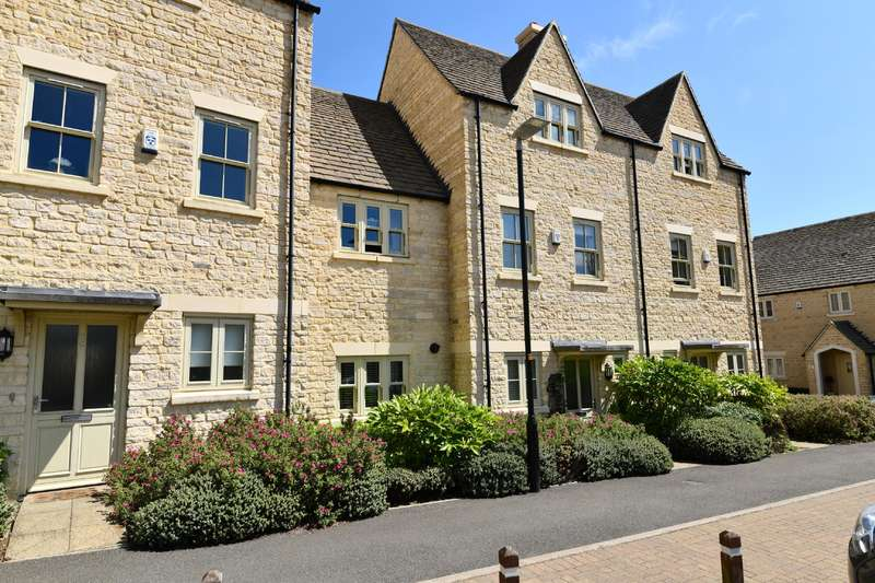 4 Bedrooms Terraced House for sale in Middle Mead, Cirencester , Gloucestershire