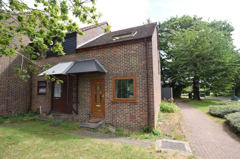 2 Bedrooms Terraced House for sale in Orbit Close, Walderslade Woods, Chatham, ME5