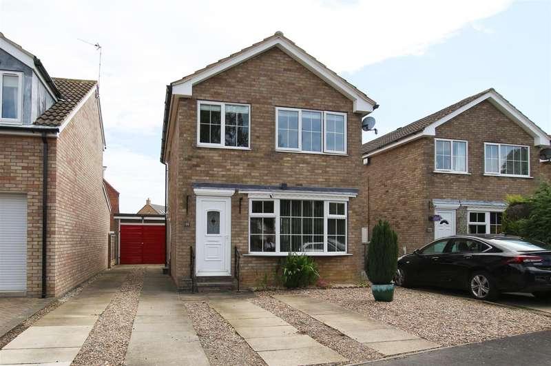 3 Bedrooms Detached House for rent in 33 Ryedale Close, Norton, Malton, North Yorkshire YO17