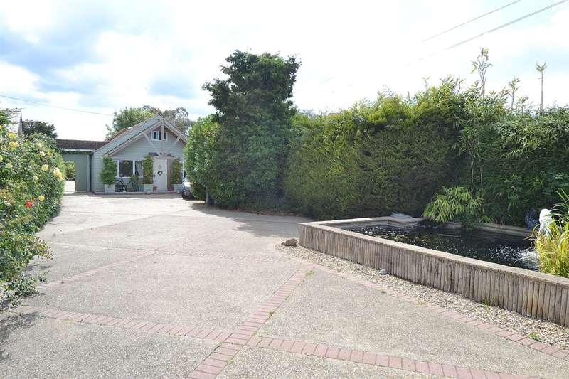 5 Bedrooms Detached Bungalow for sale in Bullockstone Road, Bullockstone