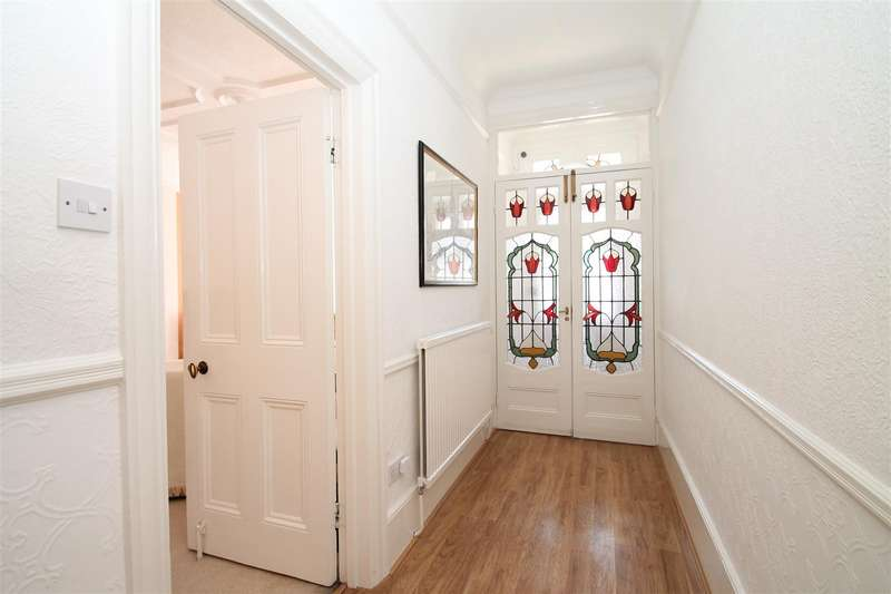 4 Bedrooms House for sale in Derwent Road, London