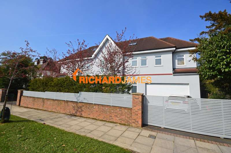 8 Bedrooms House for sale in Parkside, Mill Hill