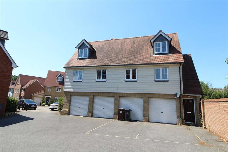 3 Bedrooms Maisonette Flat for sale in Cambie Crescent, Colchester, CO4