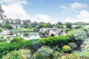 4 Bedrooms Detached House for sale in Farleigh Bridge, East Farleigh, Maidstone, Kent