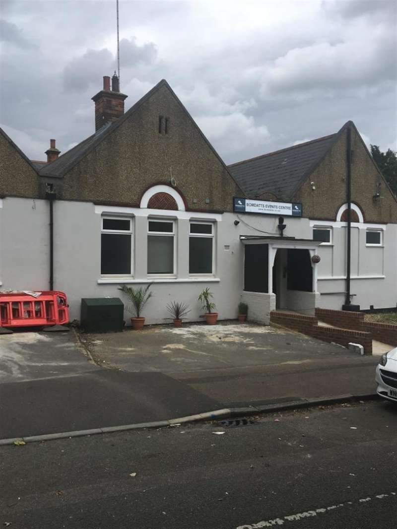 1 Bedroom Commercial Property for rent in Valley Wood House, Valley Road, Erith, DA8 1BT