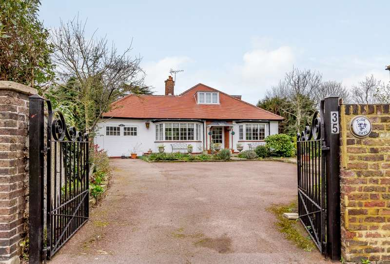 4 Bedrooms Detached House for sale in Ham Common, Richmond, TW10