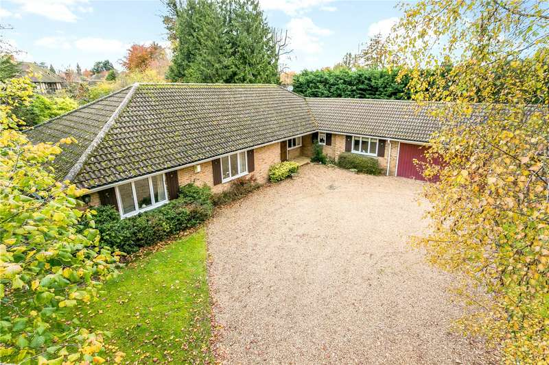 4 Bedrooms Detached Bungalow for sale in Bearswood End, Beaconsfield, HP9