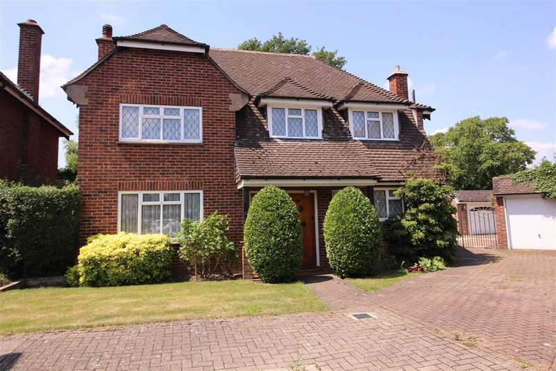4 Bedrooms Detached House for sale in The Gardens, Beckenham, BR3