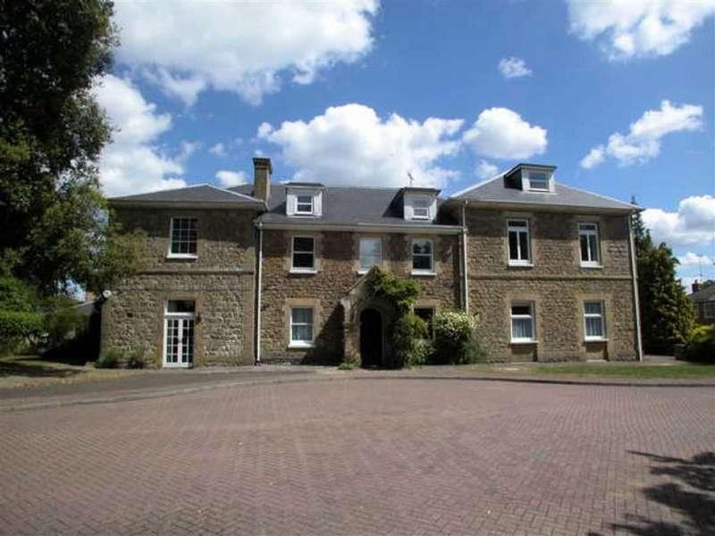 2 Bedrooms Flat for rent in Vine Lodge, Sevenoaks, TN13