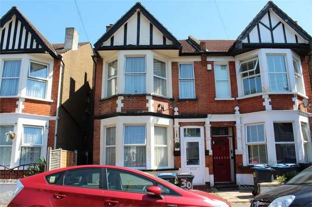 4 Bedrooms Terraced House for sale in Carew Road, Thornton Heath, Surrey