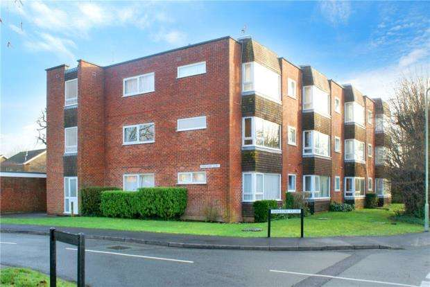 1 Bedroom Apartment Flat for sale in Kingfisher Court, Swallow Close, Havant