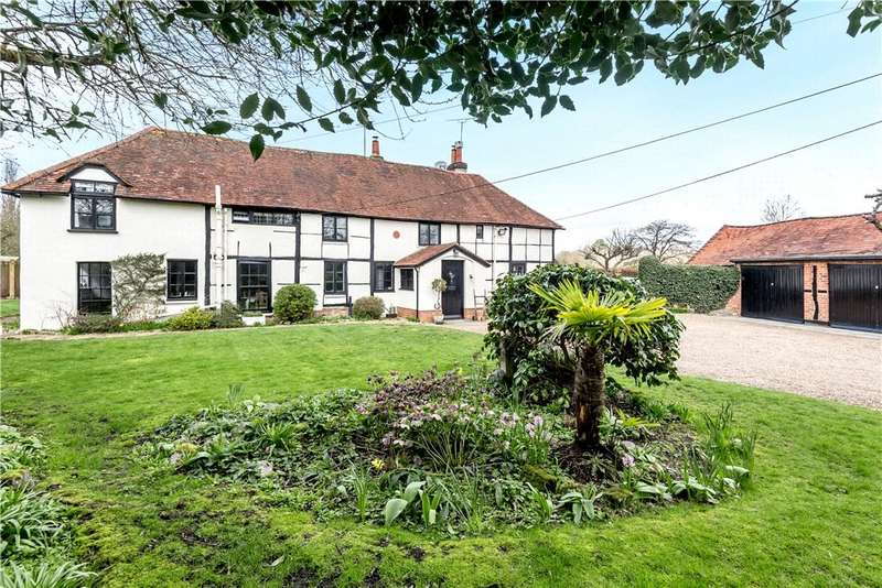 4 Bedrooms Semi Detached House for sale in Eversley Cross, Hook, Hampshire, RG27