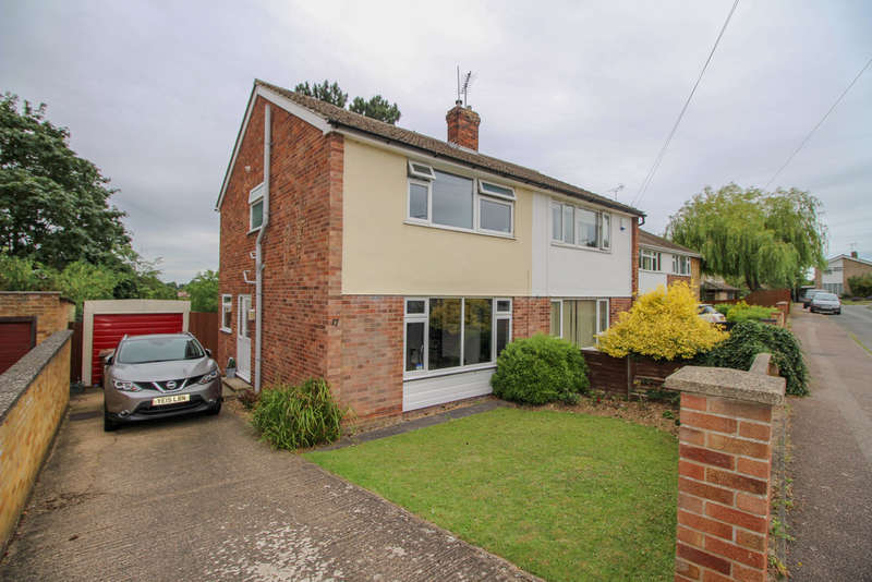 3 Bedrooms Semi Detached House for sale in Stirling Gardens, Newmarket