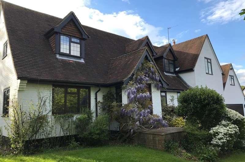 5 Bedrooms Detached House for sale in Grubwood Lane, COOKHAM DEAN, SL6