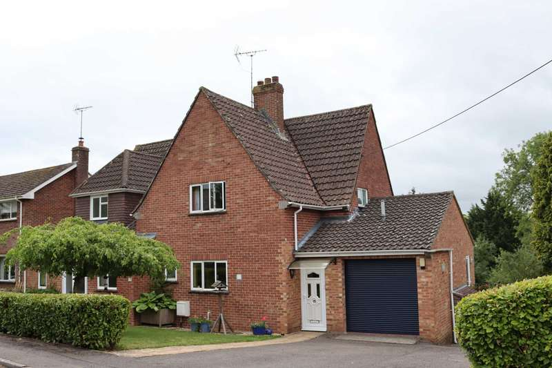 4 Bedrooms Detached House for sale in Manton Hollow, Marlborough