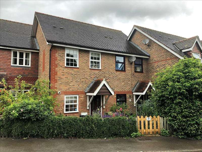 2 Bedrooms Terraced House for sale in Marsden Court, Whitchurch