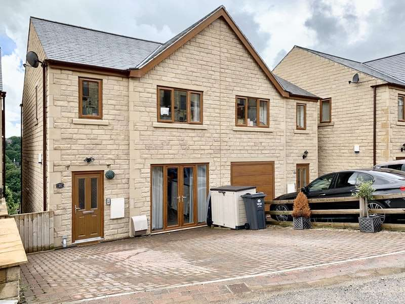4 Bedrooms Semi Detached House for sale in Greenside Gardens, Sowerby Bridge, West Yorkshire, HX6