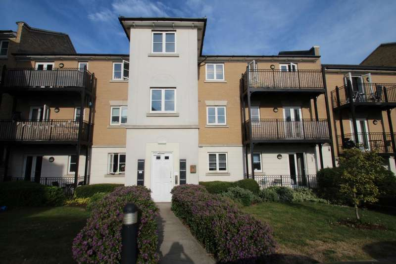 2 Bedrooms Flat for sale in PROPELAIR WAY, COLCHESTER