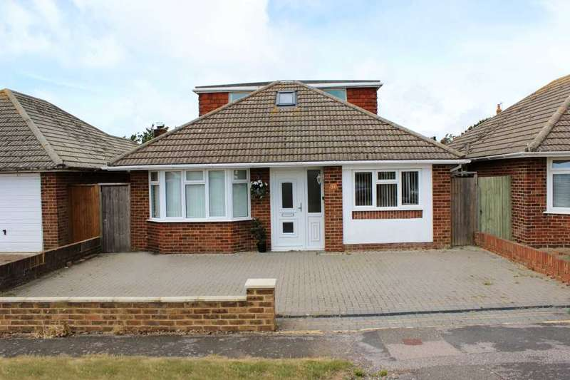 4 Bedrooms Bungalow for sale in Lincoln Avenue, Peacehaven