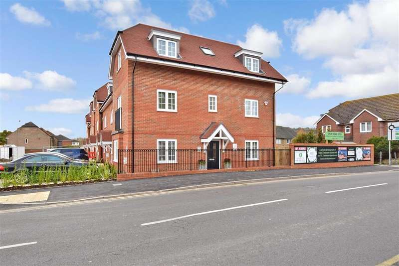 3 Bedrooms End Of Terrace House for sale in High Street, , Godstone, Surrey