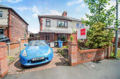 3 Bedrooms Semi Detached House for sale in Laburnum Road, Worsley, Manchester, Greater Manchester