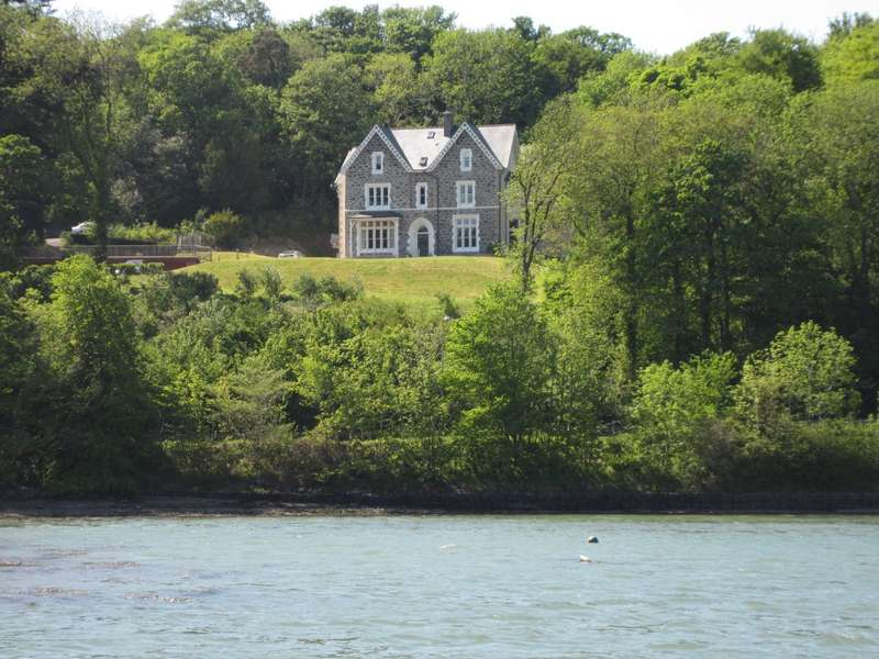 3 Bedrooms Penthouse Flat for sale in The Moorings, Cadnant Road, Menai Bridge, Isle Of Anglesey, LL59