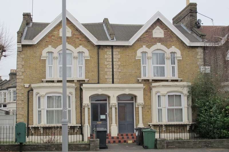 2 Bedrooms Flat for rent in High Road Leyton, Leyton, London, E10