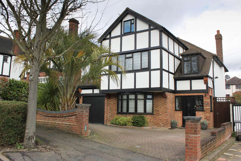 5 Bedrooms Detached House for sale in The Glade, Woodford Green