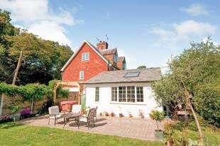 3 Bedrooms Semi Detached House for sale in Bodiam, Robertsbridge, East Sussex, .