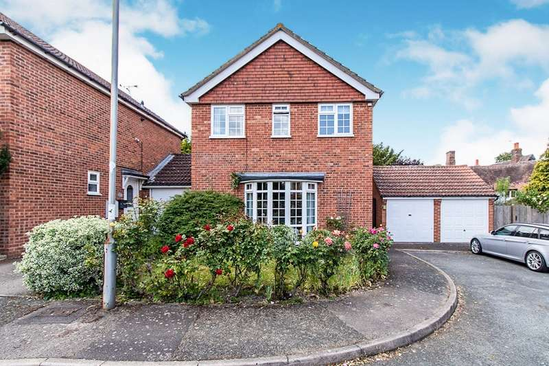 3 Bedrooms Detached House for sale in Dairy Close, Sutton At Hone, Dartford, DA4