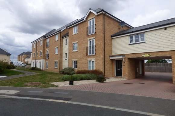 1 Bedroom Property for sale in Warwick Crescent, Laindon, Basildon, Essex