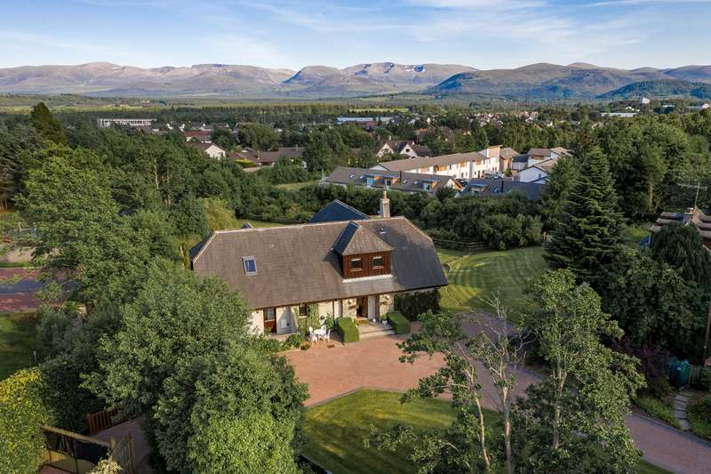 4 Bedrooms Detached House for sale in Aviemore, PH22 1QD