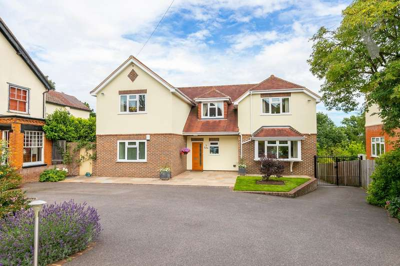 5 Bedrooms Detached House for sale in Theydon Park Road, Theydon Bois, Epping