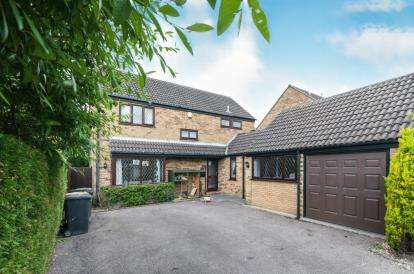 4 Bedrooms Detached House for sale in Brittons Close, Sharnbrook, Bedford, Bedfordshire