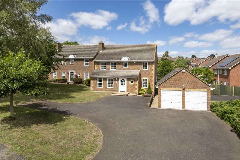 4 Bedrooms Detached House for sale in Brambles, 6 Clarendon Drive, Rochester
