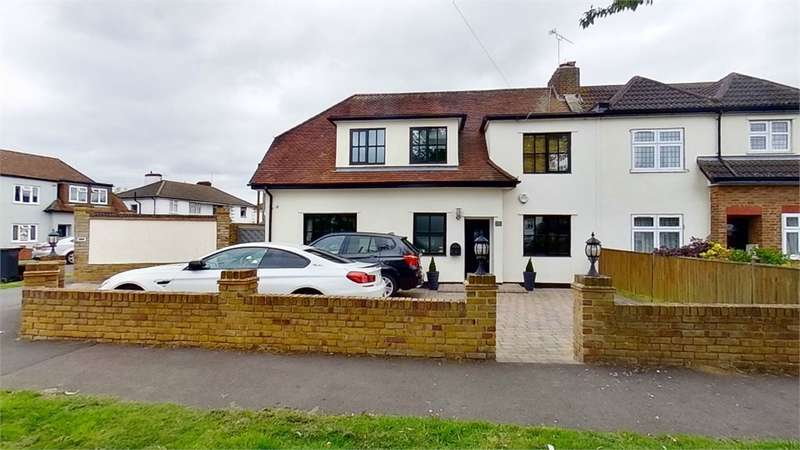 4 Bedrooms Semi Detached House for sale in Robinson Avenue, Goffs Oak, Goffs Oak, Hertfordshire