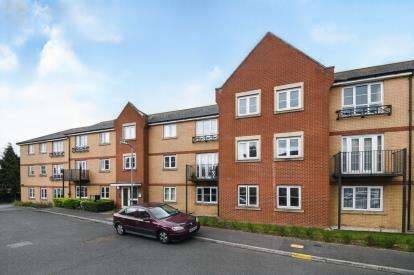 2 Bedrooms Flat for sale in Wickford, Essex, .