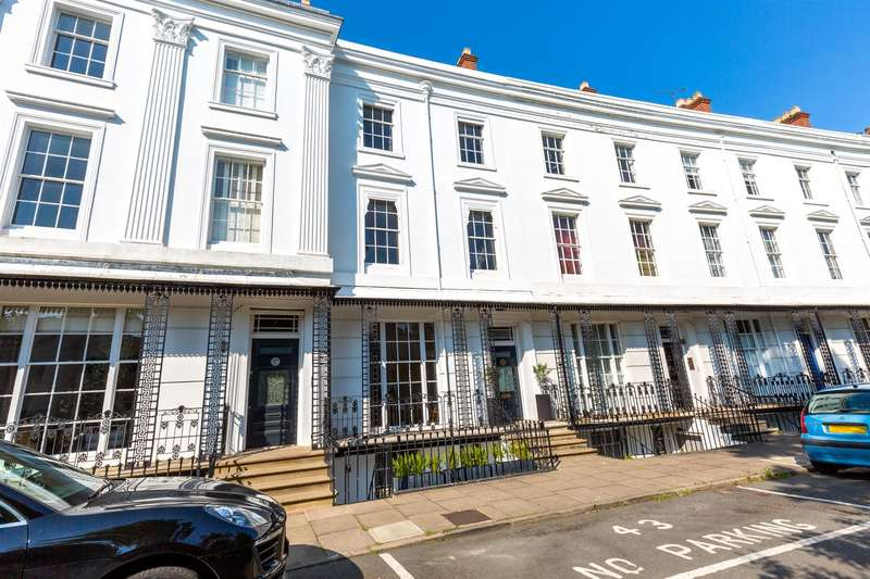 5 Bedrooms Town House for sale in Lansdowne Crescent, Leamington Spa, Warwickshire