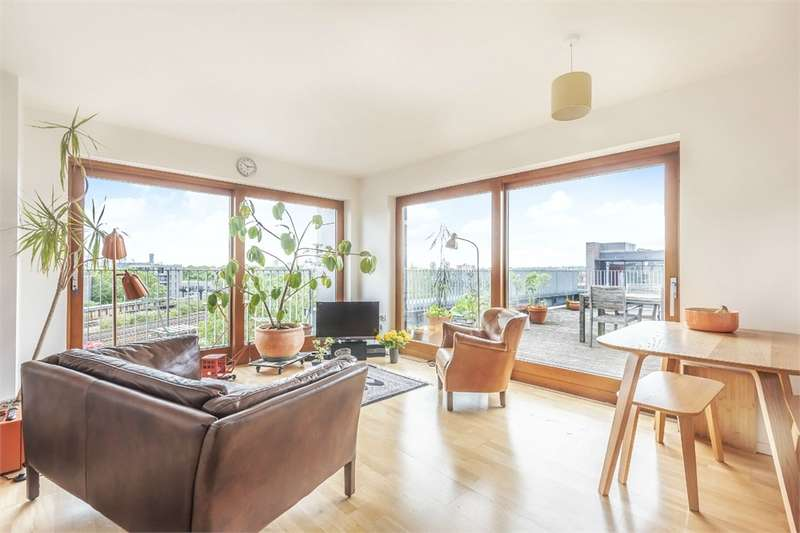 2 Bedrooms Flat for sale in Bolanachi Building, Spa Road, London, SE16