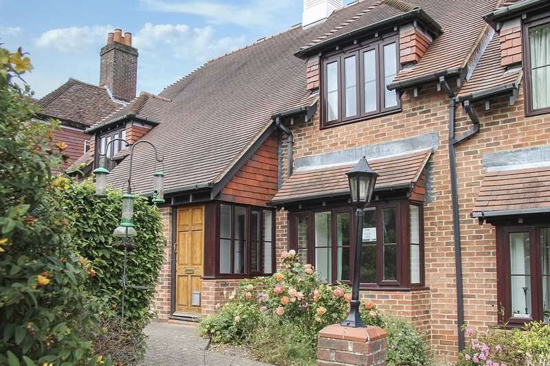 2 Bedrooms Retirement Property for sale in Wickham, Hampshire