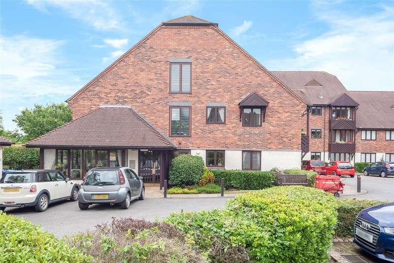 2 Bedrooms Apartment Flat for sale in Blackthorn Court, Chestnut Walk, Henley-in-Arden, B95