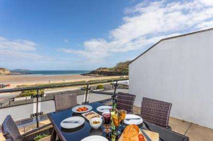 3 Bedrooms Flat for sale in Maenporth, Falmouth, Cornwall
