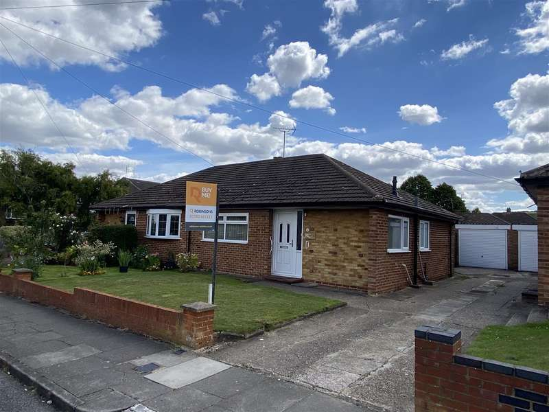 2 Bedrooms Semi Detached Bungalow for sale in Pynders Lane, Dunstable