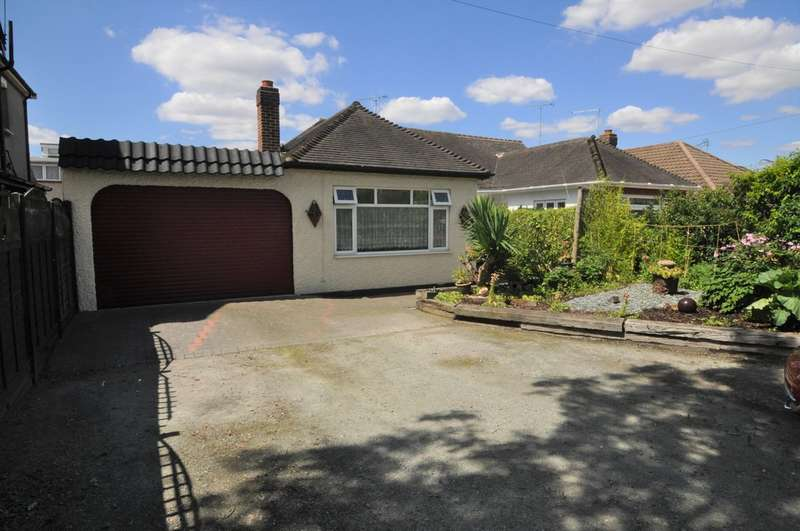 3 Bedrooms Semi Detached Bungalow for sale in Rayleigh Road Thundersley
